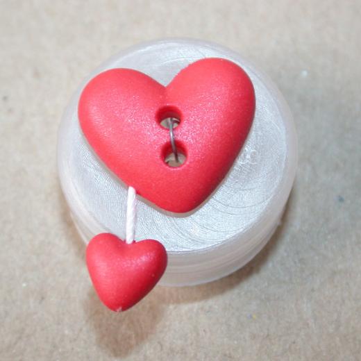 Knopf Herz mit Anhänger