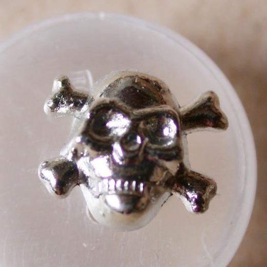 Screw-In Pin Skull