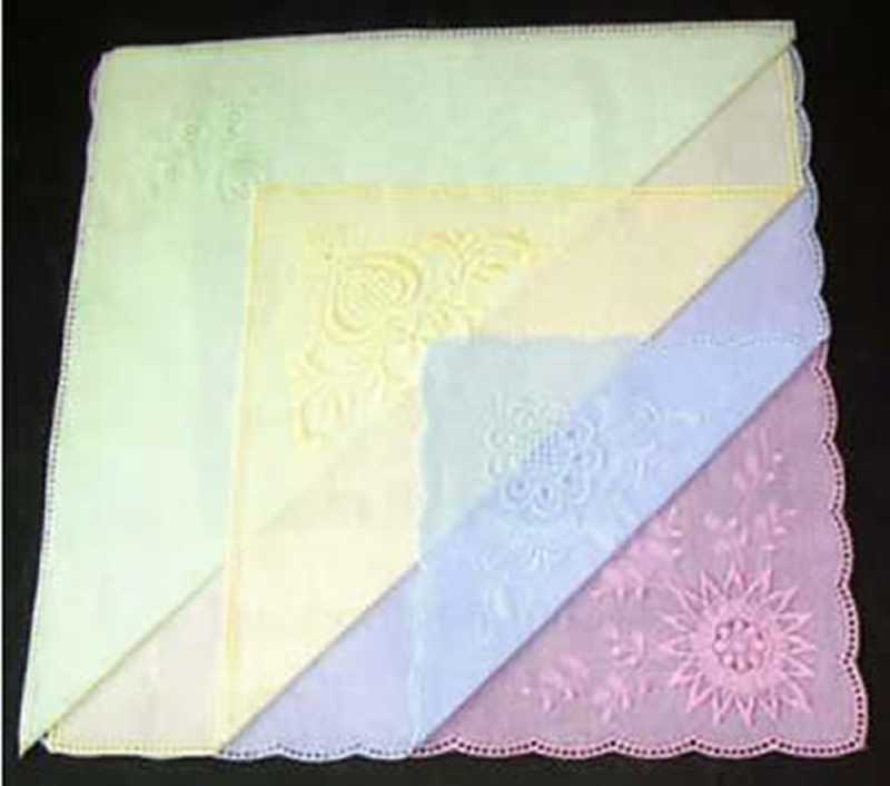 4 farbige Taschentücher zum Umhäkeln