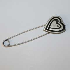 Kilt Pin Heart and Rhinestone