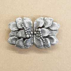 Ornament Clasp Leaves